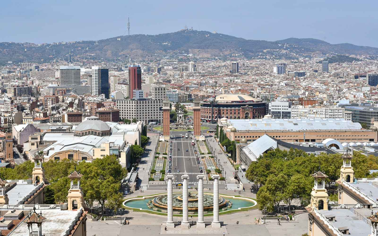 a barcelona tourist guide over plaza espana