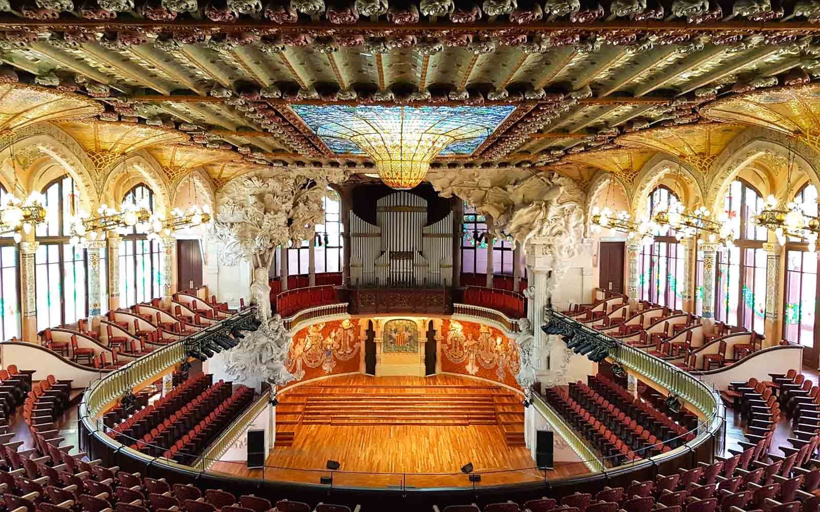 the interior of the catalan music palace tour barcelona