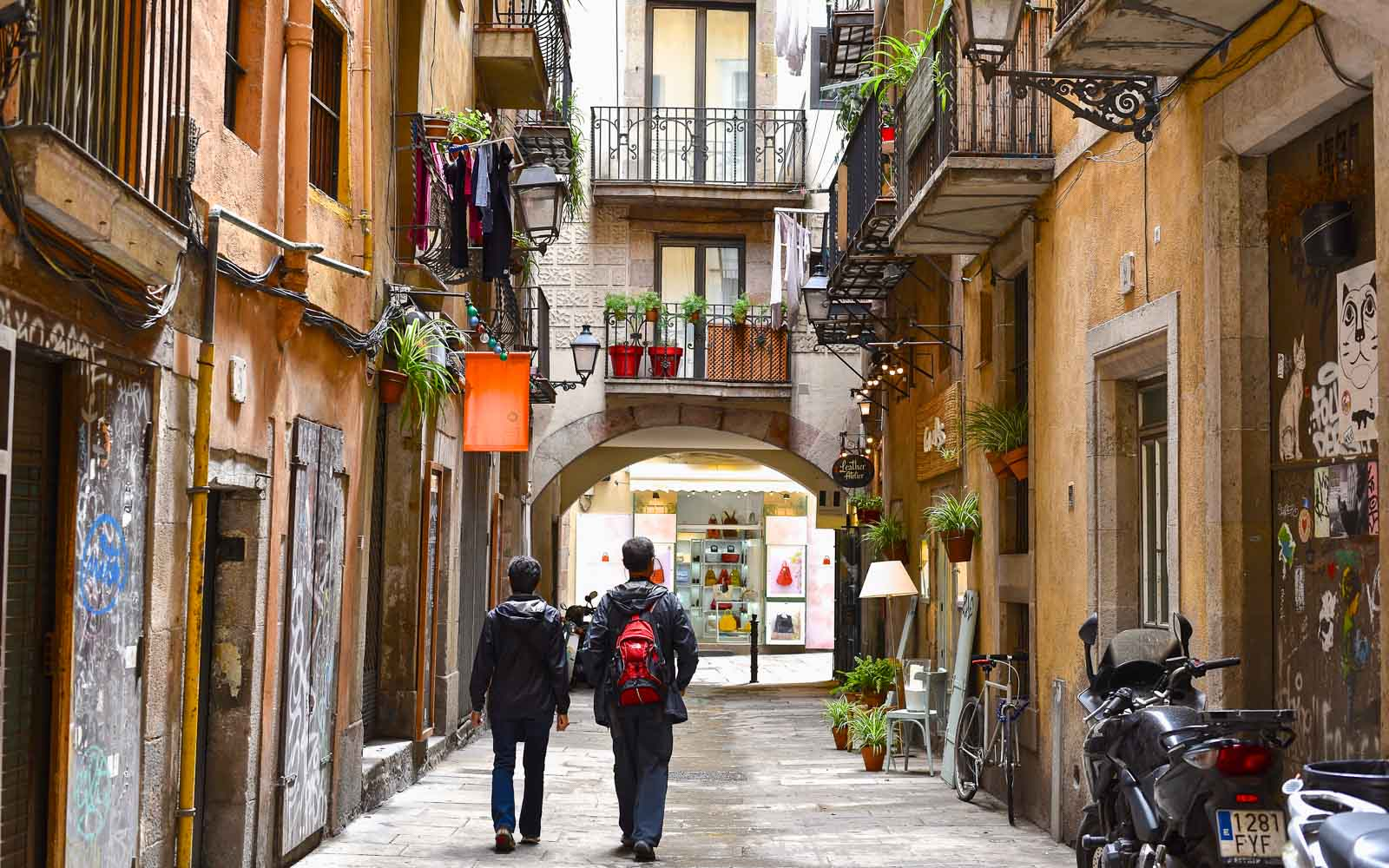tourists shopping in the born barcelona