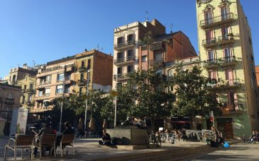things to do on sunday in barcelona at plaza del sol