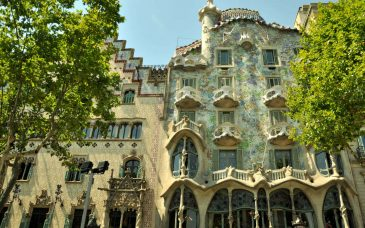 casa batllo in eixample neighbourhood barcelona