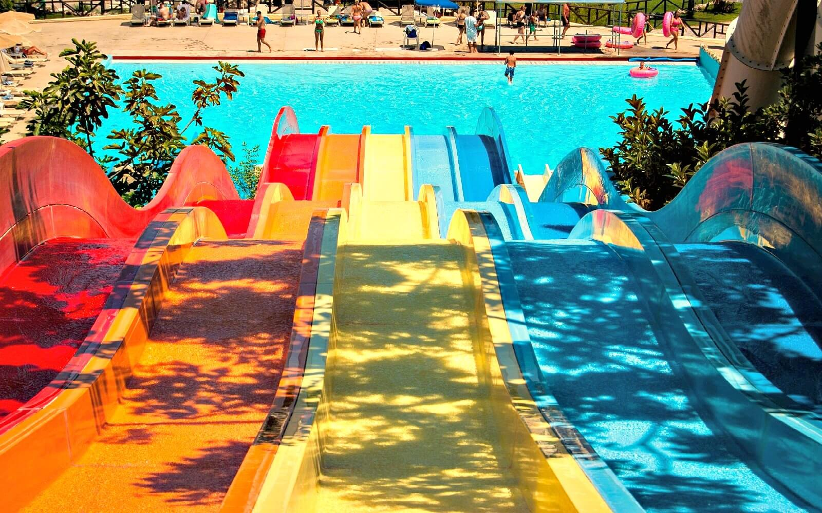 a barcelona water park in the summer